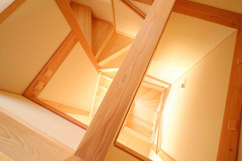 常総市で注文住宅を手掛けるベースポイントの階段