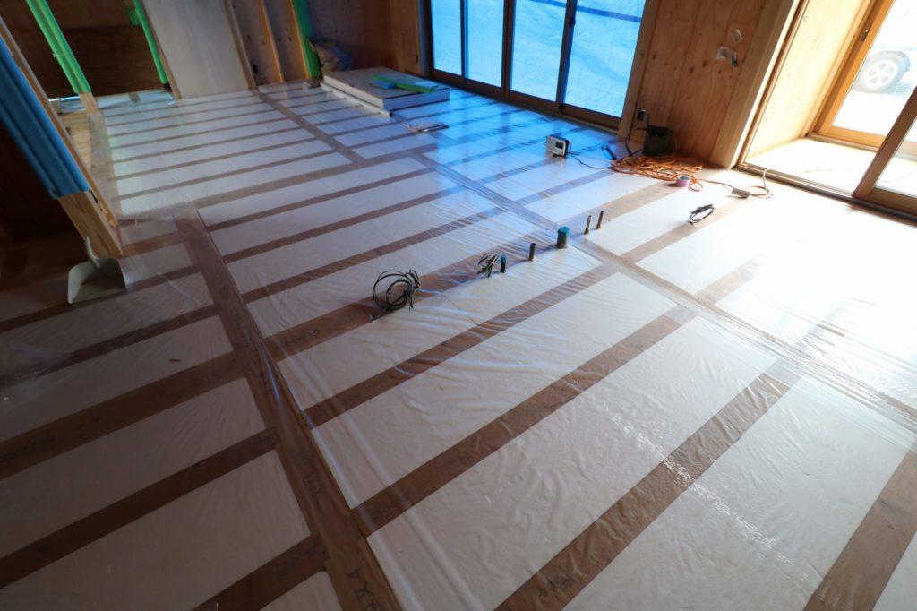つくばで高性能住宅を建てるベースポイントの床断熱