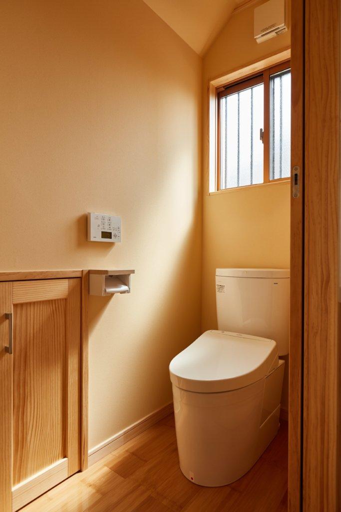 つくばでシンプルな家を建てるベースポイントのトイレ写真