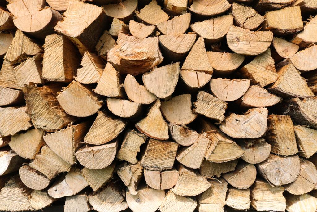 つくばで薪ストーブのある家を建てるベースポイントの薪画像