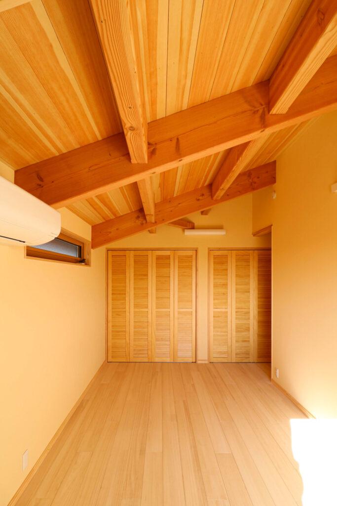 つくば市で和モダンの家を建てるベースポイントの寝室