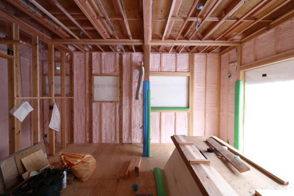 つくばの高断熱高気密の家の壁断熱写真